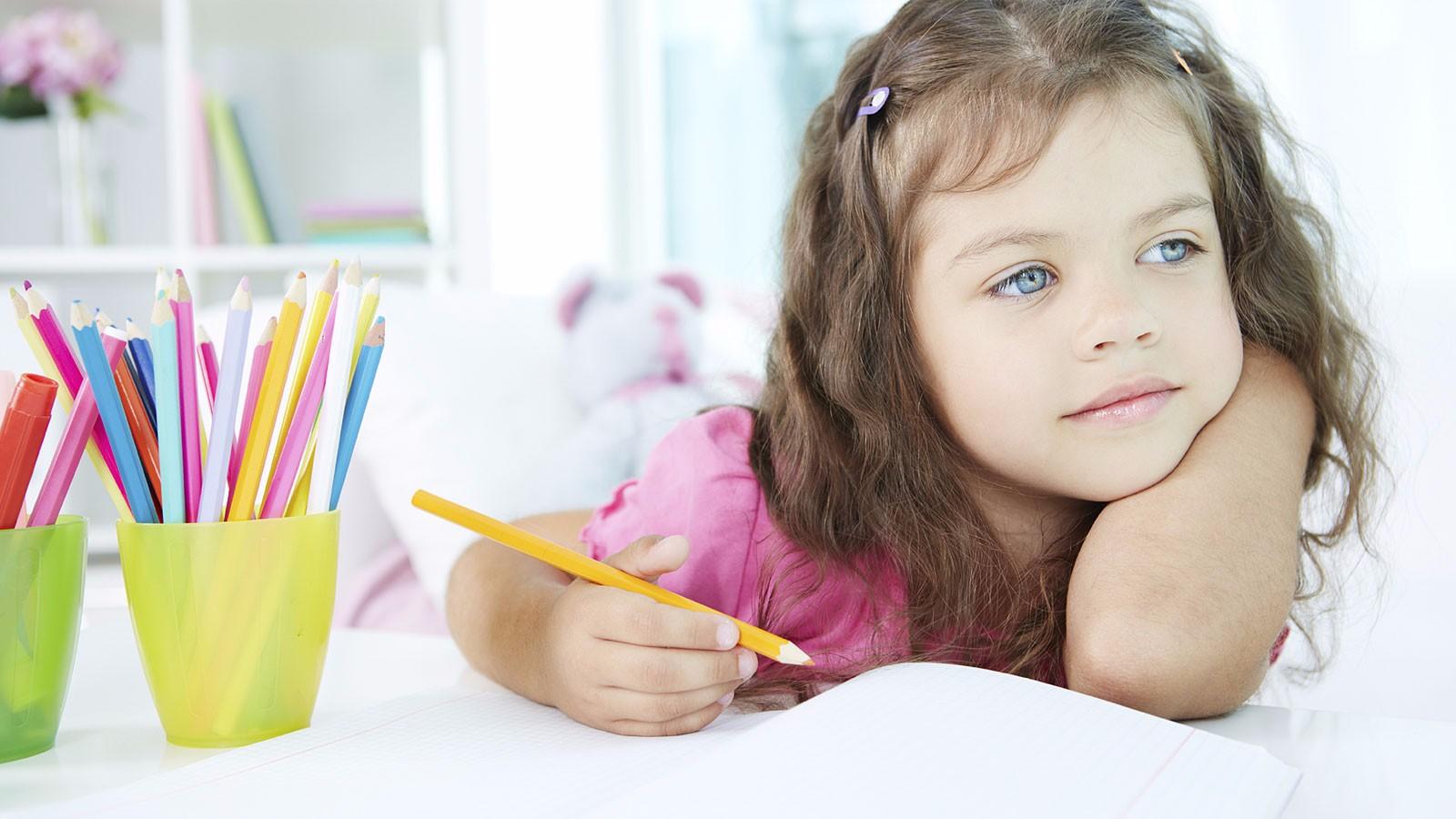 Resultado de imagen para imagen de un niño estudiando en hd